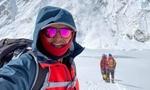 Кыргызстанец, который покорил Эверест, вернулся на родину.